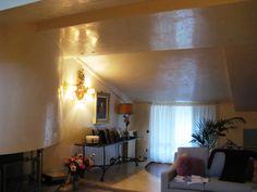 grassello lucido su soffitto e pareti