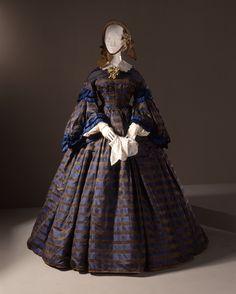 Wedding Dress: ca. 1860, American, silk damask.