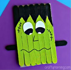Popsicle Stick Frankenstein Craft for Kids to Make Popsicle Stick Crafts, Craft Stick Crafts, Popsicle Sticks, Fun Crafts, Holiday Crafts, Craft Sticks, Craft Ideas, Fun Ideas, Creative Crafts