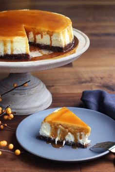 Pecan Crusted Cheesecake With Salted Bourbon Caramel @honestlyyum