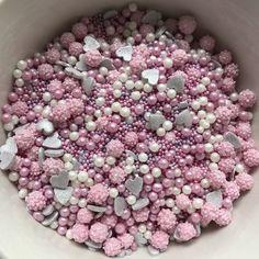 Pretty n Pink sprinkle mix Efias Cake Decorating Designs, Decorating Supplies, Cake Designs, Cookie Decorating, Decorating Ideas, Fancy Sprinkles, Sprinkles Recipe, Disco Dust, Cake Hacks