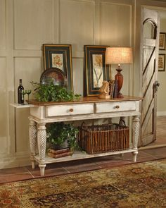 Hillsdale Wilshire Sideboard Table Antique White 4508SB