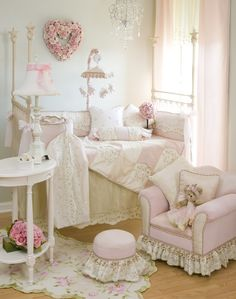 Lucy Crib Bedding