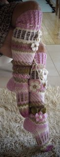 Ankortit: Två uppsättningar av strumpor! Crochet Socks, Knitting Socks, Knit Crochet, Knitting Projects, Crochet Projects, Fingerless Gloves, Arm Warmers, Mittens, Doll Clothes
