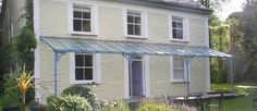 Top Quality Bespoke Glass Verandas from Nationwide. With traditional, contemporary and classic Veranda designs. Further customise your Veranda with Sun Screens & Sliding Glass Walls Porch Gazebo, Pergola With Roof, Glass Porch, Glass Roof, Gate Design, Roof Design, Pavillion, Victorian Porch, Old School House