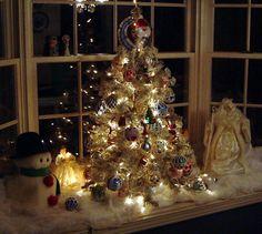 ·Christmas window decorations idea