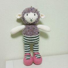옷을... 입어야 겠구나~~~ #손뜨개 #손뜨개인형 #대바늘 #대바늘인형 #핸드메이드 #리틀코튼래빗 #knittingdoll #littlecottonrabbits #handmade
