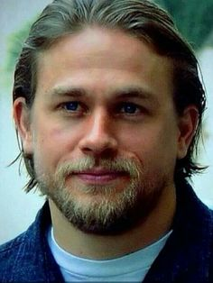 On pinterest charlie hunnam jax teller and sons of anarchy