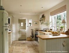 What a beautiful country kitchen -McMillen-08