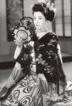 Japanese History, Asian History, Japanese Beauty, Japanese Culture, Japanese Girl, Vintage Japanese, British History, Strange History, History Facts
