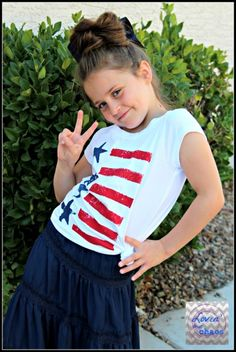 DIY 4th of July Shirts - Easy for Kids to Make Projects For Kids, Diy For Kids, Crafts For Kids, Patriotic Crafts, Patriotic Decorations, School Age Crafts, Homemade Shirts, Kids Things To Do, Sponge Painting