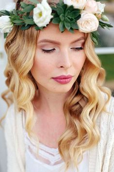 makeup ideas for wedding bride with blonde hair and natural make up with rose lips annakrasnenkova via instagram