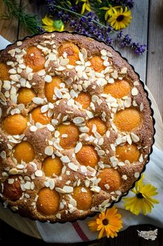Celozrnný meruňkový koláč s mandlemi Food And Drink, Pie, Desserts, Cakes, Fitness, Torte, Tailgate Desserts, Cake, Deserts