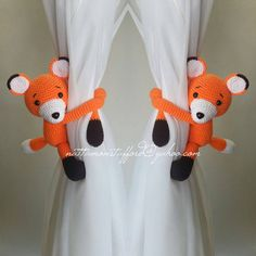 MADE TO ORDER***A pair of Fox curtain tie back.  Crochet tie back. (Both side)
