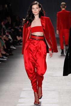 H&m Fashion, Runway Fashion, Fashion Brands, Fashion Show, Fashion Looks, Fashion Outfits, Womens Fashion, Fashion Design, Latex Fashion