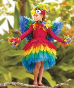 Parrot Costume- Halloween Goals for the girls. Parrot Costume, Costume Dress, Flower Costume, Costume Makeup, Up Costumes, Dance Costumes, Ladies Costumes, Amazing Costumes, Fantasias Up