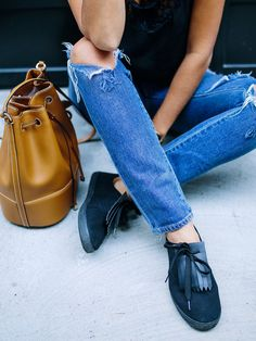 There's nothing better than comfort, right? In the event you're looking to take the humble sneak up a bit. see how to make these DIY fringed sneakers! Transformers, Boyfriend Jeans, Espadrilles, Leather Fringe, S Shirt, Diy Clothing, Your Shoes, Refashion, Diy Fashion