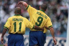 Romário y Ronaldo de Brasil en Copa Confederaciones en 1997.