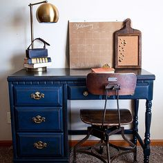 Gorgeous desk makeover. She used bbfrosch chalk paint powder with benjaminmoore in hale navy