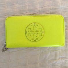 Tory Burch Neon Wallet Like new Tory Burch neon zip wallet. Tory Burch Bags Wallets