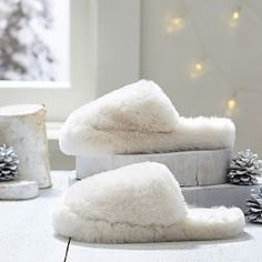 Fuzzy Slippers, Faux Fur Booties & Hats for Teens Bedroom Slippers, Luxury Bedroom Design, Fuzzy Slippers, Womens Slippers, Ladies Slippers, Warm Fuzzies, Teen Fashion Outfits, Polar Bear, Faux Fur