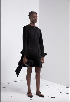 Carolina Herrera, Fashion History, Fashion News, Fashion Show, Fashion Design, High Fashion, Winter Fashion, Fashion Trends, Jean Shrimpton
