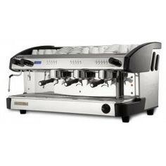 Las cafeteras New Elegance destacan precisamente por su elegancia, como su propio nombre sugiere. Todos sus modelos armonizan a la perfección en cualquier ambiente donde se desee servir una perfecta taza de café expreso.