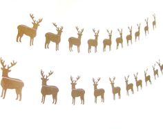 A beautiful reindeer garland to decorate your walls or tables and encourage good cheer. Garlands are perfect for any celebration: birthdays, parties,