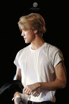 *kris voice* fuck, sehuns-ass-cheeks:   who is this??     he looks...