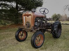 2013 - February Wheel Horse of the month Lawn Tractors, Small Tractors, Tractor Mower, Old Tractors, Antique Tractors, Vintage Tractors, Vintage Farm, Antique Cars, Small Garden Tractor