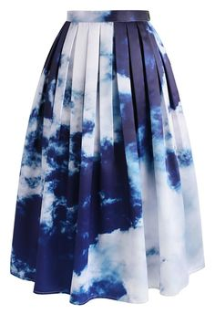 Ready to take your style all the way up? This sky print midi skirt is a soft look that still possesses the right amount of spunk and personality. Pair it with basics like graphic white t's and neutral tops. Slip into subtle ankle strap heels to let the skirt do all the talking.   - Side zip closure with hook - Inserted side pockets - Lined - 100% Polyester - Machine washable  Size(cm) Length  Waist XS                72        64 S                  72        68 M                 72        72…
