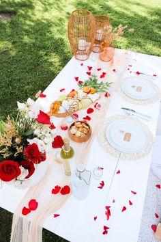 Night Picnic, Picnic Dinner, Picnic Date, Valentines Day Date, Valentine Theme, Valentine Decorations, Backyard Picnic, Beach Picnic, Romantic Picnics