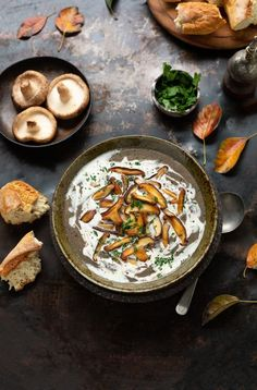 Cream of mushroom soup Sauteed Mushrooms, Creamed Mushrooms, Mushroom Soup Recipes, Vegetarian Soup, Vegetarian Recipes, Just Cooking, Fruit And Veg, Winter Food, Classic Recipe