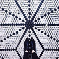 22-feet-floor-photo