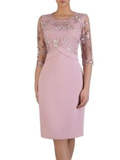 This Pin was discovered by Ale - Mode Frauen Mother Of Bride Outfits, Mothers Dresses, Plus Size Dresses, Short Dresses, Formal Dresses, African Fashion Dresses, Fashion Outfits, Womens Fashion, Elegant Dresses
