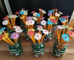 Paper pencil toppers with mason jar/pencil; teacher thank you gift;Thanks for helping us grow decal , Paper pencil toppers with mason jar/pencil teacher gift Gift Card Bouquet, Candy Bouquet, Thank You Teacher Gifts, Teacher Appreciation Gifts, Teacher Gift Baskets, Homemade Teacher Gifts, Teacher Signs, Diy Cadeau, Pencil Toppers