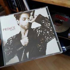 #Nowplaying #CD The Hits 1 #Prince (Warner Bros / Paisley Park, 1993, #compilation) #RIPPrince #HisRoyalBadness #PrinceRogersNelson #PrinceAndTheRevolution