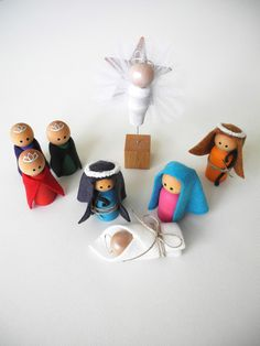 Christmas Decoration, Peg People NATIVITY Set, Children Nativity Set, Wooden Nativity, Eco Friendly Christmas Decoration. $21.50, via Etsy.