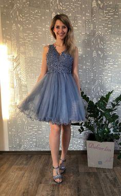 Chloe, Graduation, Dresses, Fashion, Vestidos, Moda, Fashion Styles, Moving On, Dress