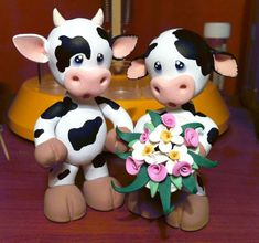 Cow Cake Topper by Jarreth on deviantART