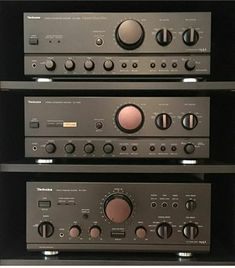 used high end audio equipment for sale - Bernd☆SGE☆. Hifi Audio, Audio Speakers, Equipment For Sale, Audio Equipment, Technics Hifi, Audio Vintage, Speaker Amplifier, Retro, Audio Room