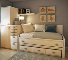 How to Make a Colorful Small Bedroom for your Kid - Small room design Small Bedroom Designs, Small Room Design, Small Room Bedroom, Spare Room, Small Rooms, Kids Bedroom, Small Spaces, Bedroom Decor, Luxury Bedding