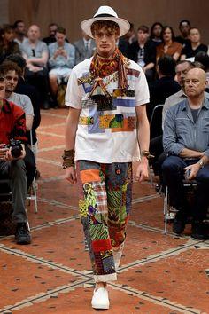 Junya Watanabe Spring 2016 Menswear Collection Photos - Vogue Applique that started from italian futurist Rei Kawakubo, Men Fashion Show, Mens Fashion Week, Men's Fashion, Vogue Paris, Bohemian Style Men, Mode Wax, Japanese Fashion Designers, 2016 Fashion Trends