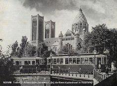 Treintje Amsterdam-Zandvoort ( bij de Bavo Katheraal te Haarlem
