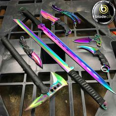 Armas Ninja, Pretty Knives, Cool Knives, Swords And Daggers, Knives And Swords, Tactical Knives, Tactical Gear, Cool Swords, Ninja Weapons