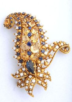 TIFFANY & C0. VINTAGE BLUE AND YELLOW SAPPHIRE PAISLEY PIN