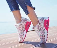 Παπούτσια Αθλητικά Floral με Αερόσολα.