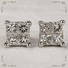 Beautiful Vintage 1.20ctw Diamond Princess Cut Platinum Stud Pierced Earrings