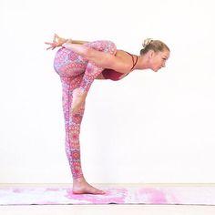 #AnimalAsanas - Flamingo Pose