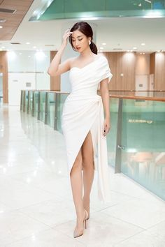 Ladies Day Dresses, Elegant Dresses For Women, A Line Prom Dresses, Short Dresses, Formal Dresses, Fashion Line, Asian Fashion, Pretty Outfits, Pretty Dresses